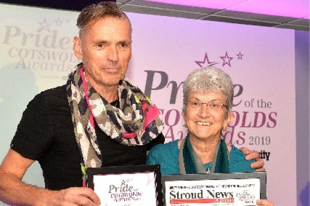 Dale Vince presents Pauline Farman with her award