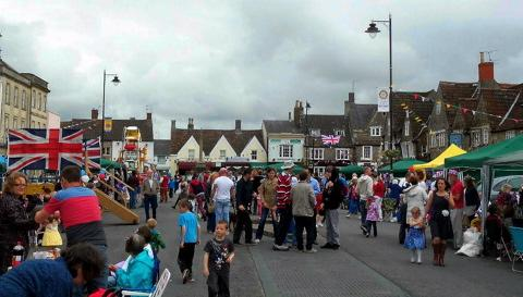 A huge street party to mark The Queen's Diamond Jubilee celebrations is being repeated in Chipping Sodbury in 2013