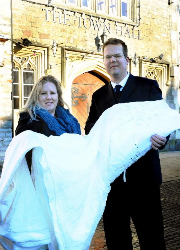 Wedding planner Jo Robbins and Wayne Smith, who runs Ken's Kars, are supporting The Wedding Wishing Well Foundation at a fair in Chipping Sodbury