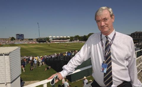 Tom Richardson will step down as Gloucestershire CCC chief executive