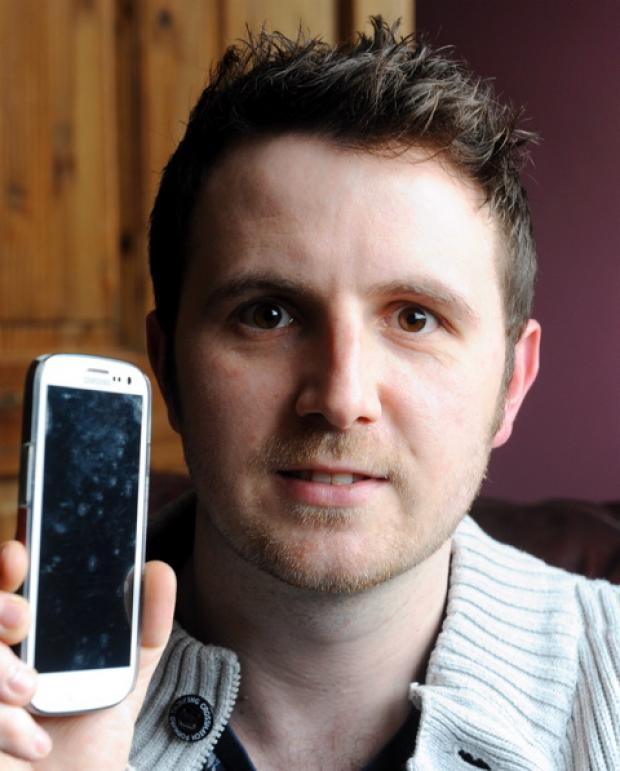 Mike Ind with his recovered Samsung Galaxy S3