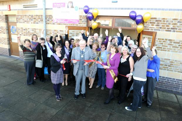 Yate mayor Cllr Wully Perks opens the new Weight Watchers drop-in centre