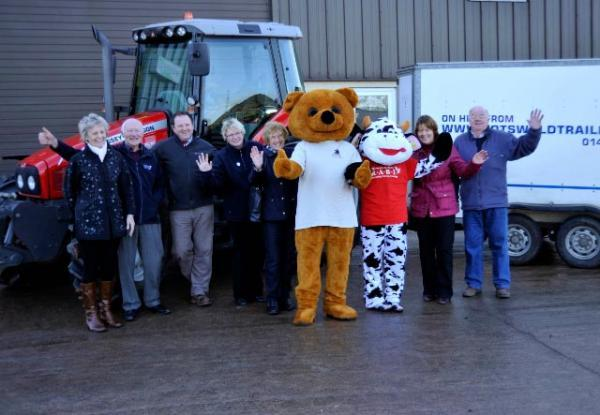 Tractors drive through Gloucestershire for troops and farmers