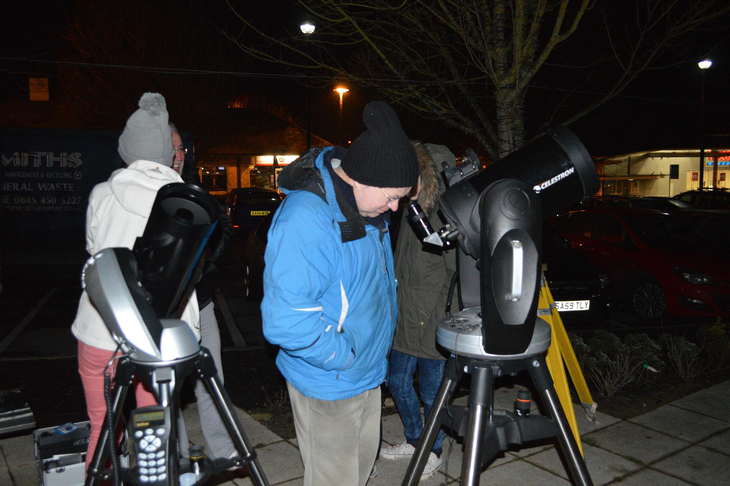 Cam and Dursley Astronomy Club members enjoy fourth annual live stargazing event (3503981)
