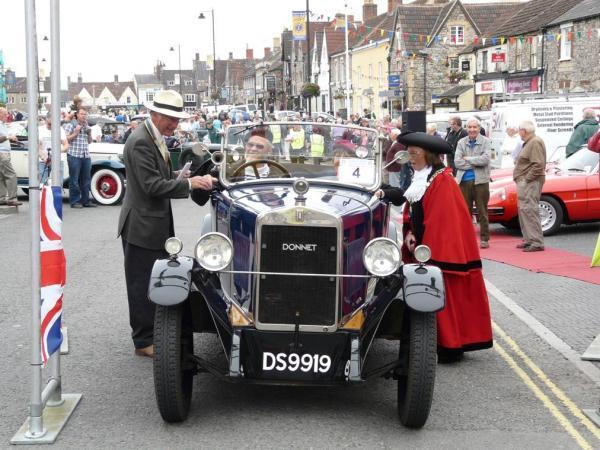 The start of last year's Chipping Sodbury classic car run