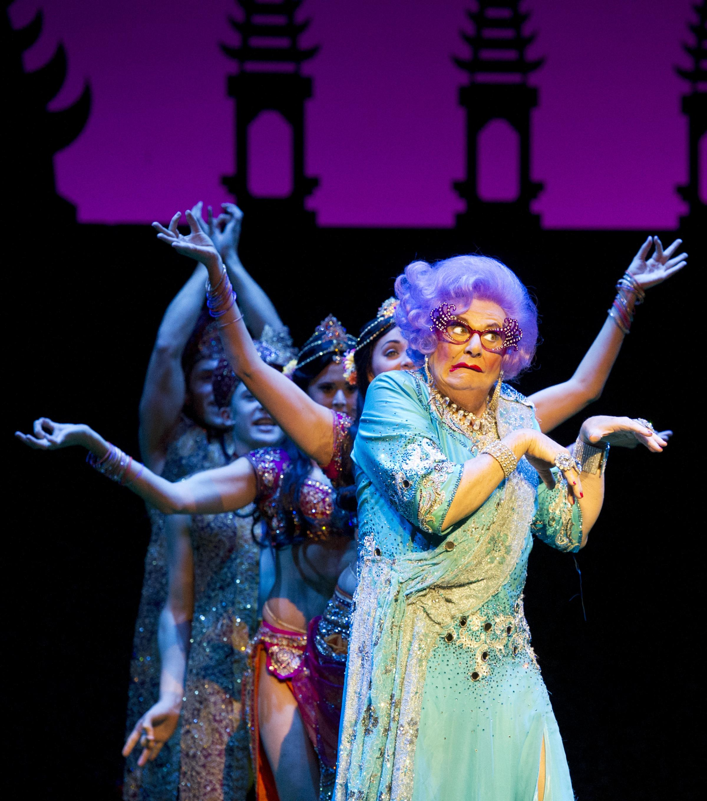 Dame Edna Everage (pic by Alastair Muir)