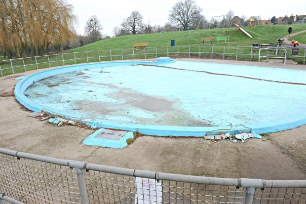 The Mundy Playing Fields paddling pool in Thornbury will be transformed into a water park, it has been decided (4244348)