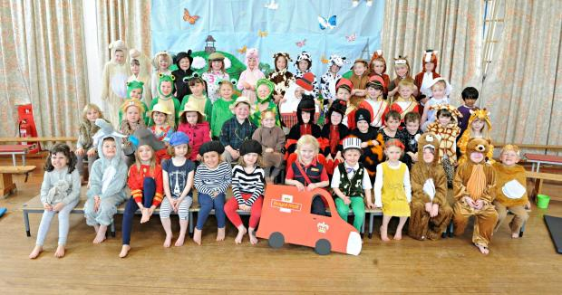 Gazette Series: Reception class pupils at Crossways Infant School in Thornbury during their dress rehearsal of The Crossways Jolly Post Person (5035224)