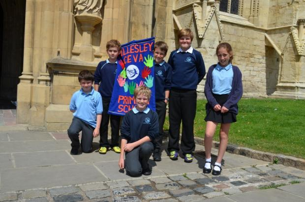 Year six pupils at Hillesley Primary School say goodbye with a leavers' service at Gloucester Cathedral (7833490)