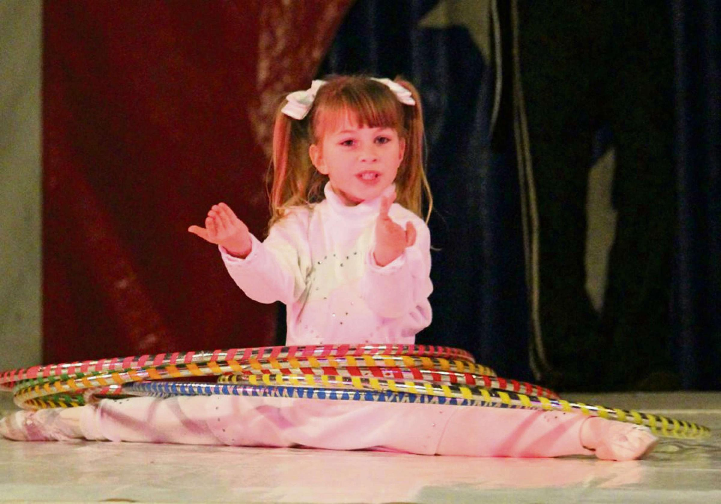 Yana is the youngest hula hoop artiste in the country, at only five years of age! (8235341)