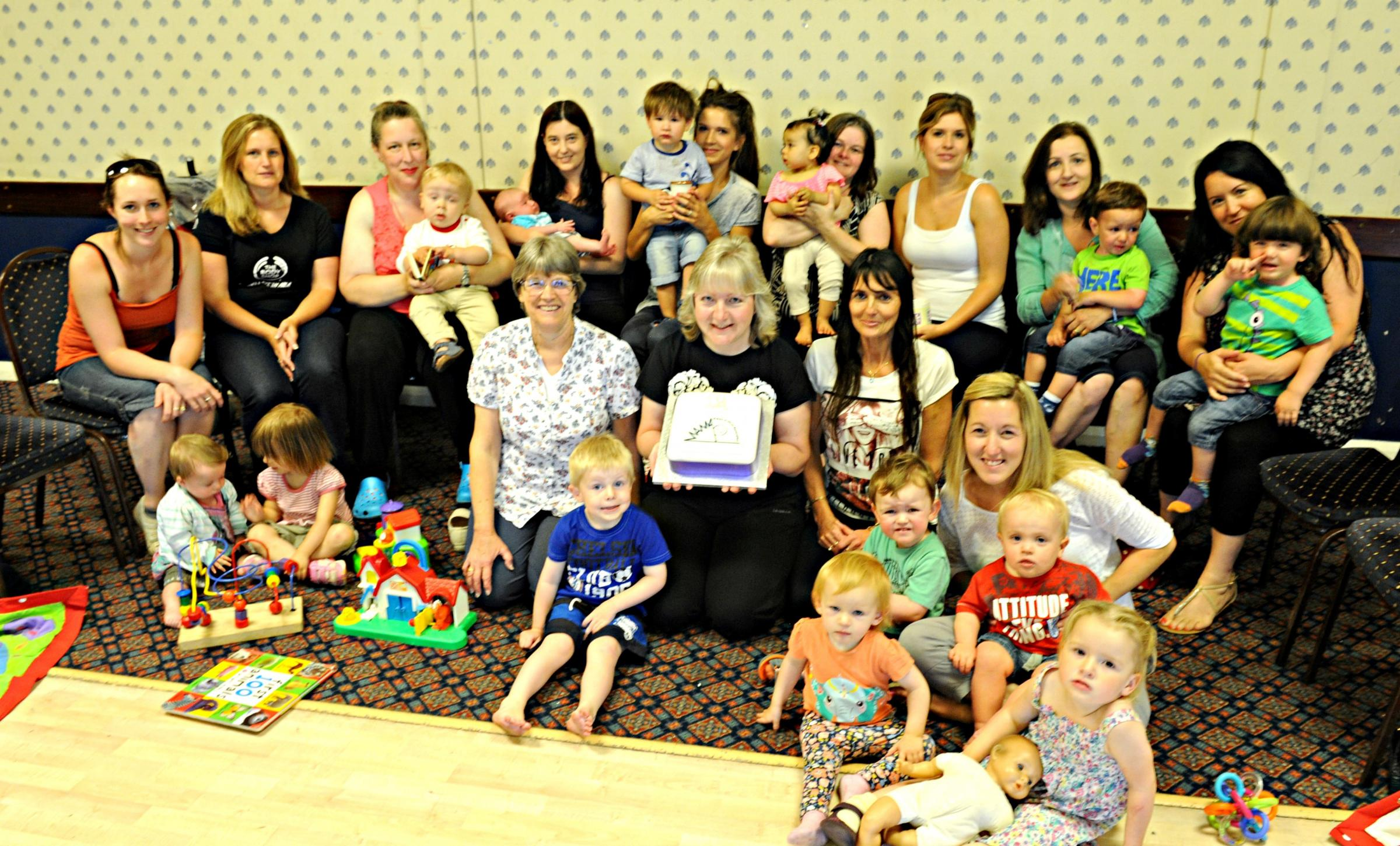 SR_89_001     Mums, children staff of the Yate Meet a Mum Association which is closing after 19 years (7740088)