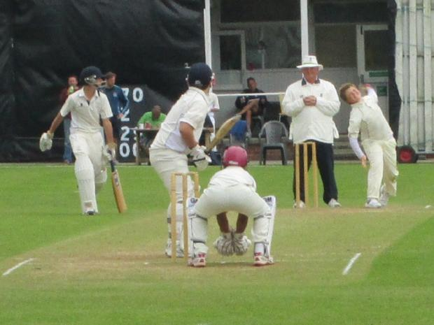 Alex Allen bowling for Gloucestershire against Hampshire