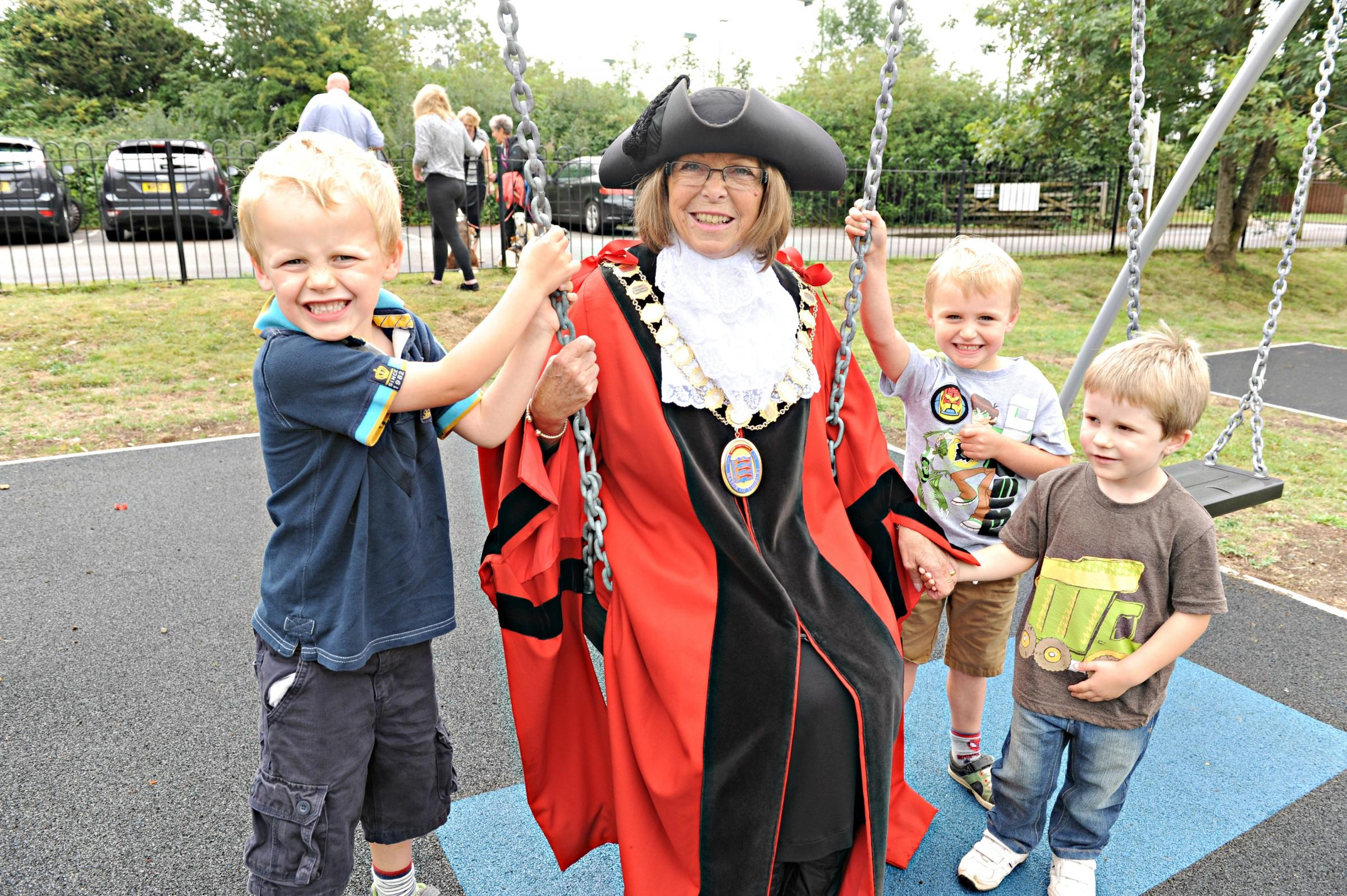SR_361_001     Mayor of Chipping Sodbury Cllr Wendy Whittle with William Parson,4, Ben Tierney,4, and Jamie Morrison,4, at the opening of the refurbished Ridings Play area (8966963)