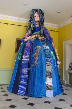 The Sea Witch at Kingshill House, Dursley  (9920304)