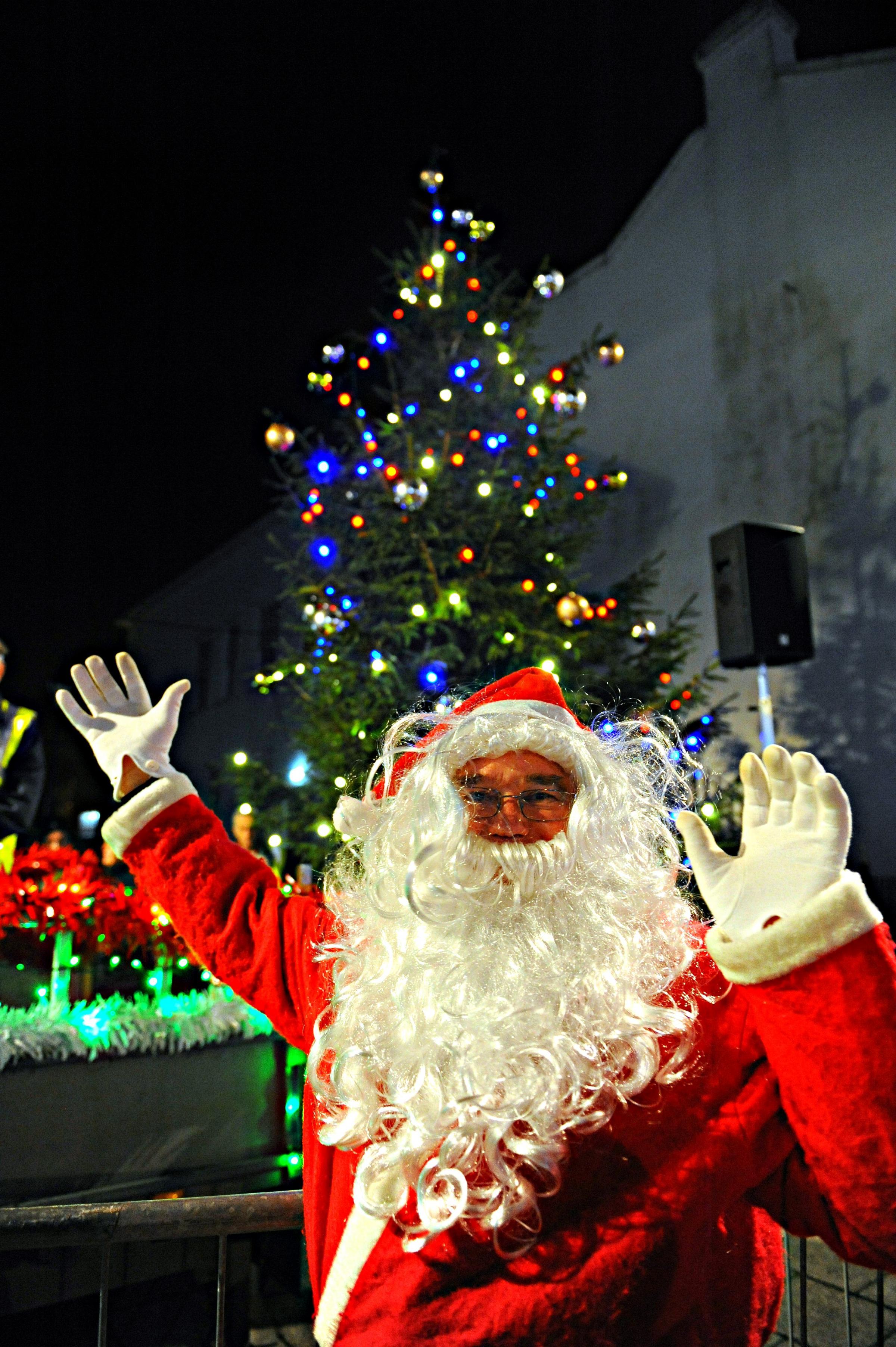 Thornbury Christmas Fair downsized but lights switch-on defiant ...