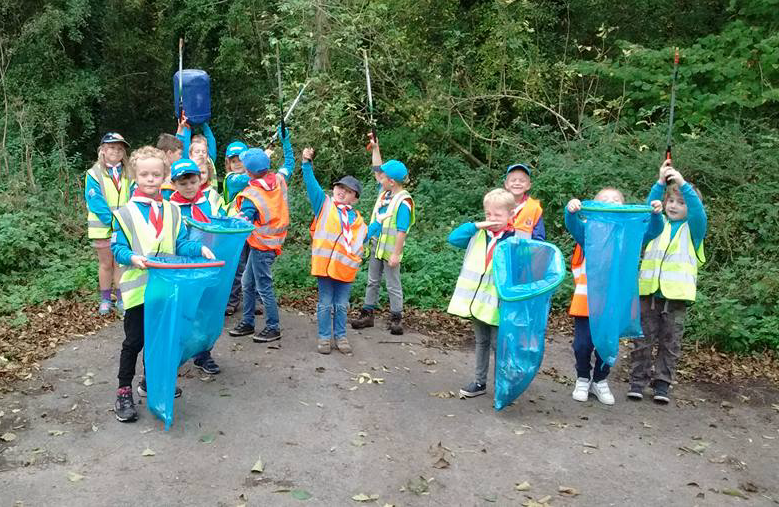 Falfield Beavers, Cubs and Scouts helping keep their community tidy during the litter pick