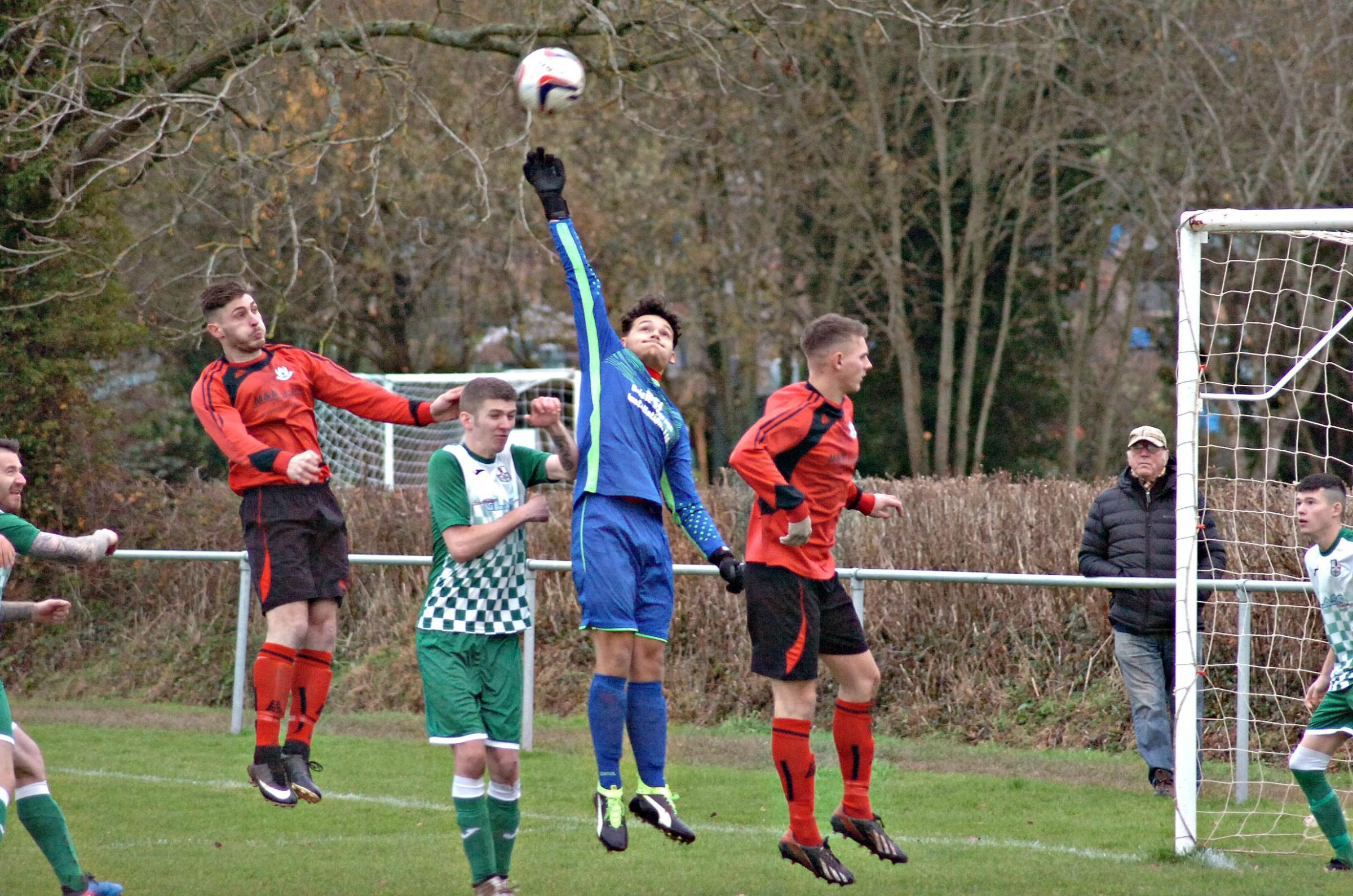 FOOTBALL: Thorns extend lead at the top to nine points after hard-fought win against Southmead