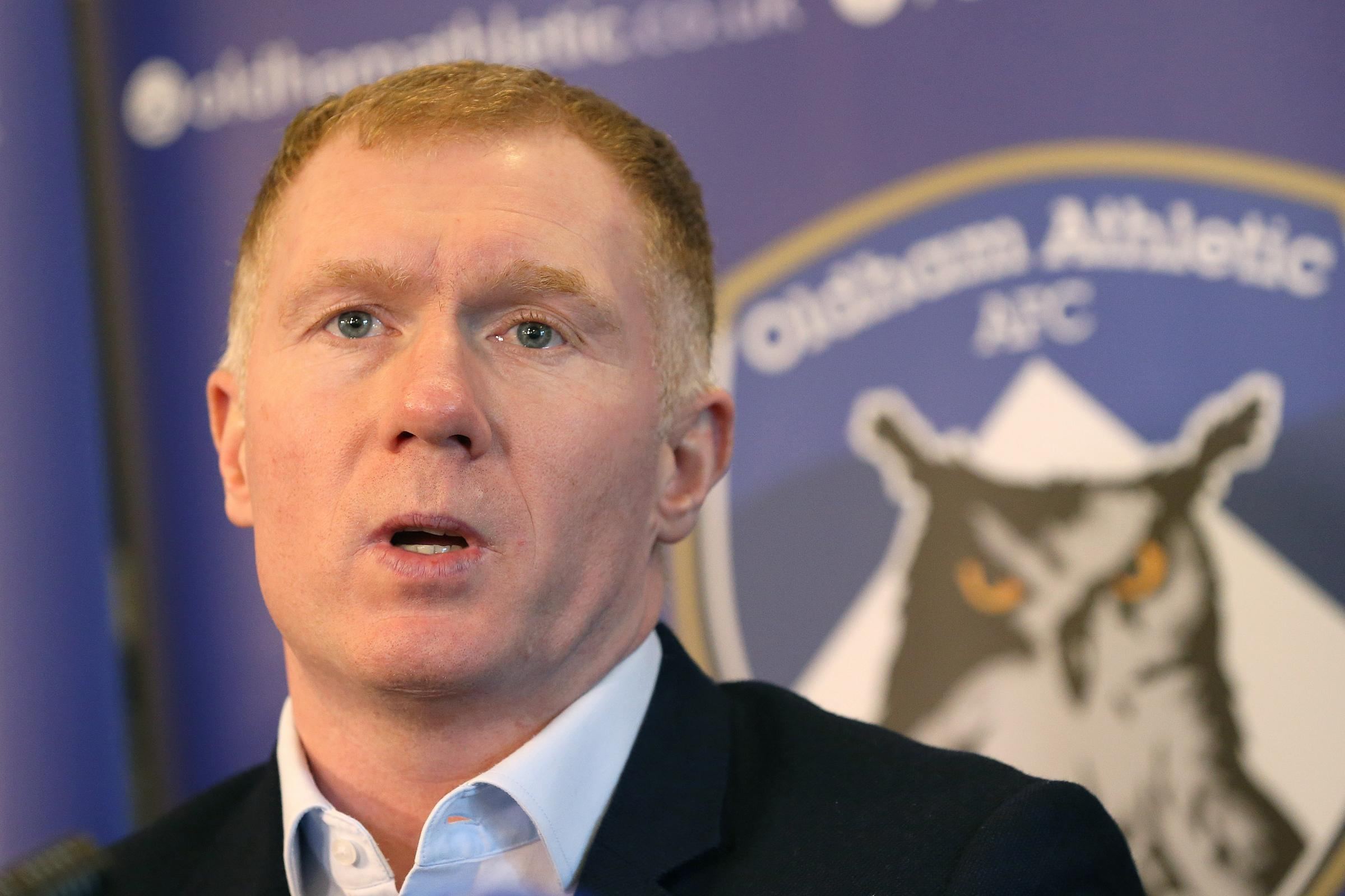 Former Manchester United midfielder Paul Scholes has taken his first job in management at League Two Oldham